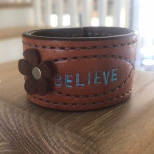 """Jewelry - Leather bracelet """"Believe"""""""